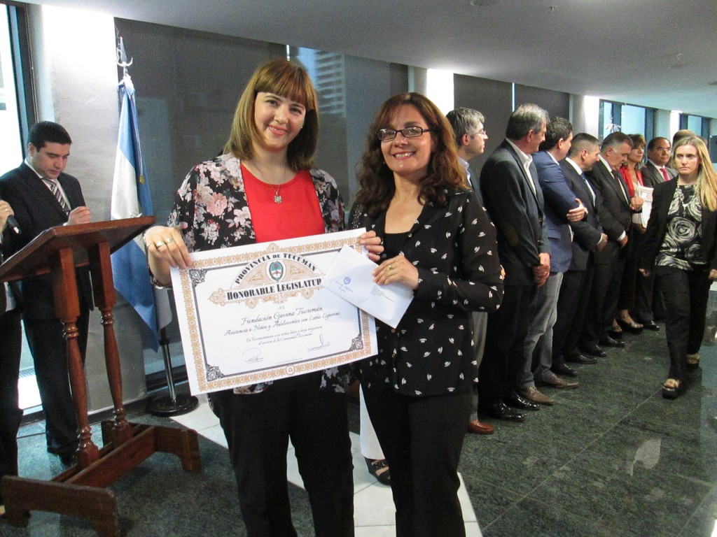 GAVINA representatives with certificate of recognition